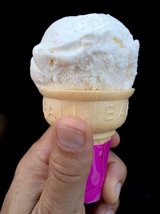 food ice cream cone